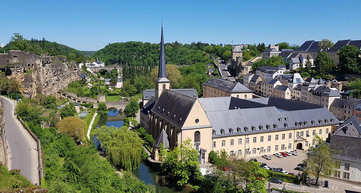 Luxemburg - Blick von der Corniche auf den Stadtteil Grund