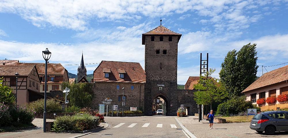 Stadttor von Dambach - la - Ville im Elsass