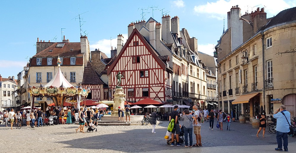 Der Place François-Rude in Dijon