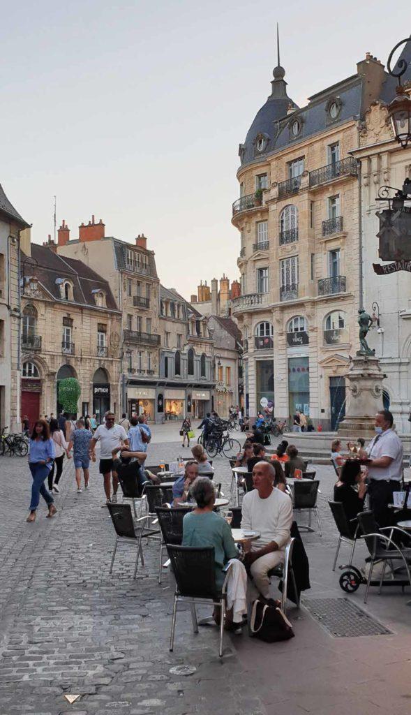 Dijon am Abend