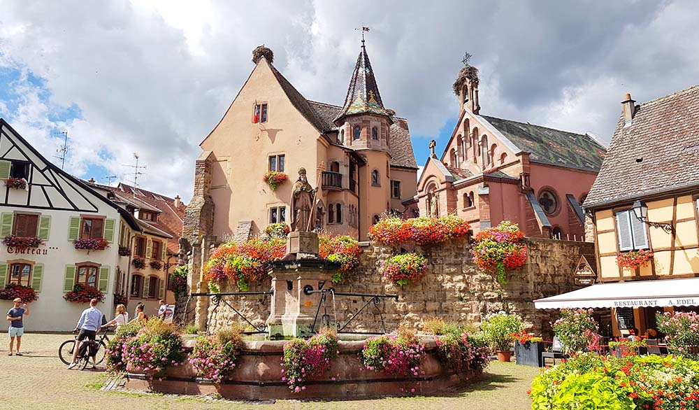 Der Marktplatz in Eguisheim