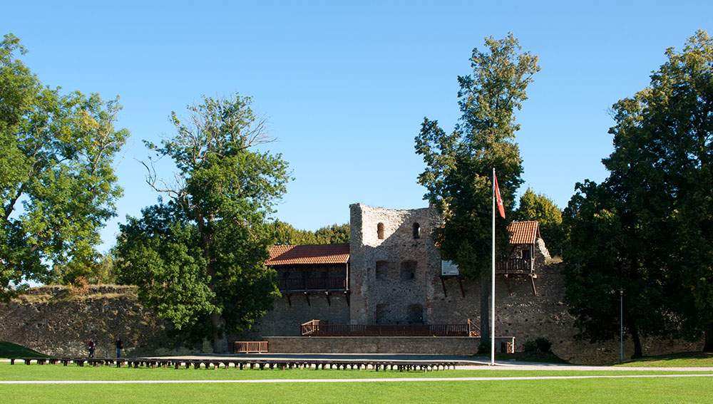 Ruine der Bischofsburg in Haapsalu