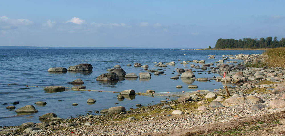Die Ostseeküste an der Halbinsel Pärispea in Estland