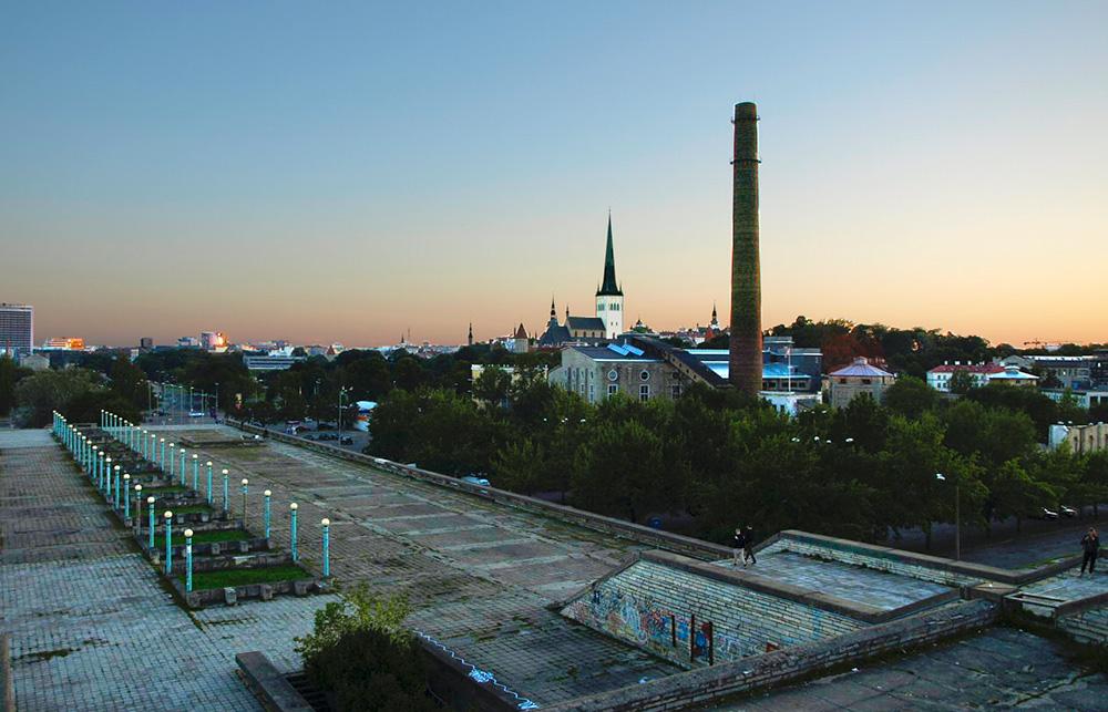 Ein Abend an der Linnahall in Tallinn