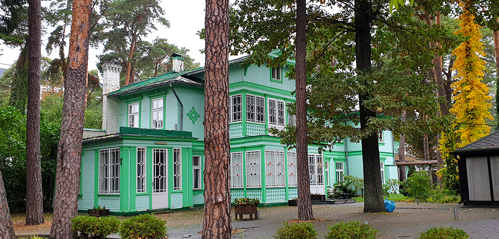 Ausflugsziele rund um Riga - landestypische Architektur in Jurmala