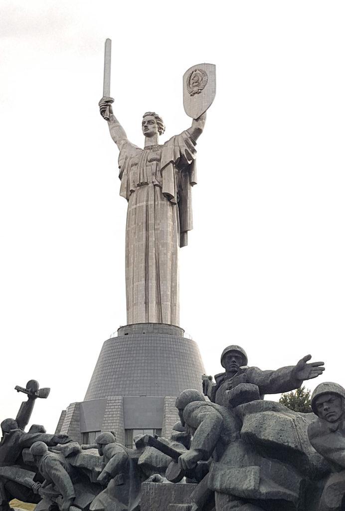 Mutter Heimat Statue in Kiew
