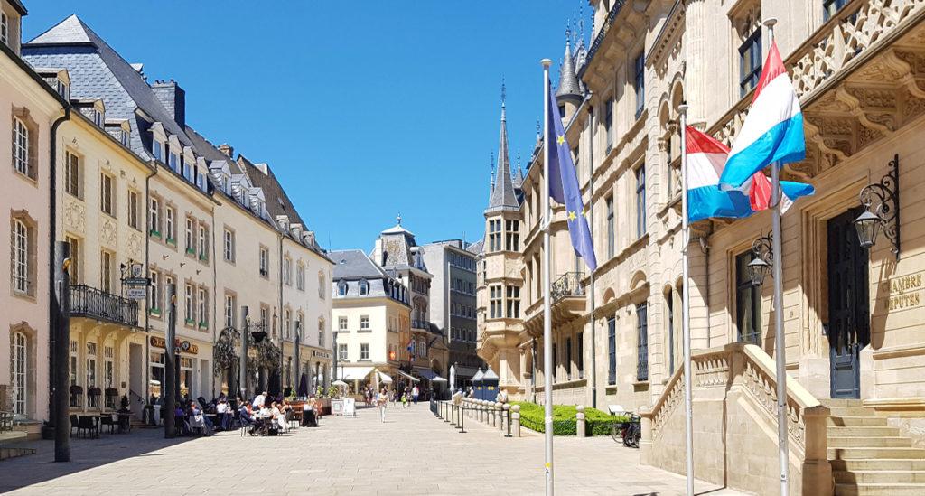 Städtereise Luxemburg - Der Krautmarkt mit dem Großherzoglichem Palast