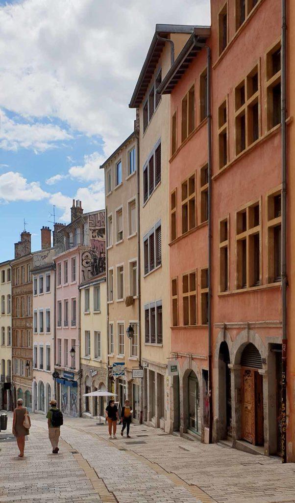 Häuser in Croix-Rousse – das ehemalige Weberviertel von Lyon.