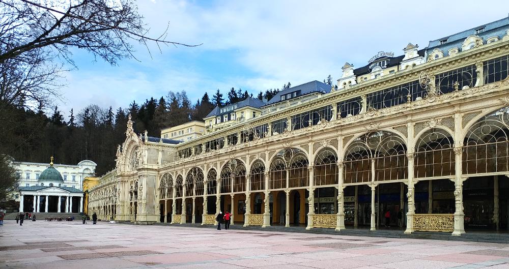 Tschechien - westböhmisches Bäderdreieck - Marienbad Hauptkolonnade