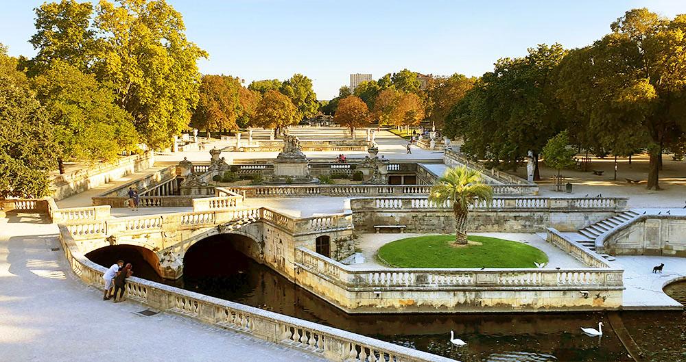 Brunnenanlage im Jardins de la Fontaine - Nimes