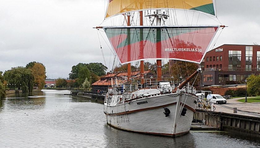 das schiff meridians in klaipeda
