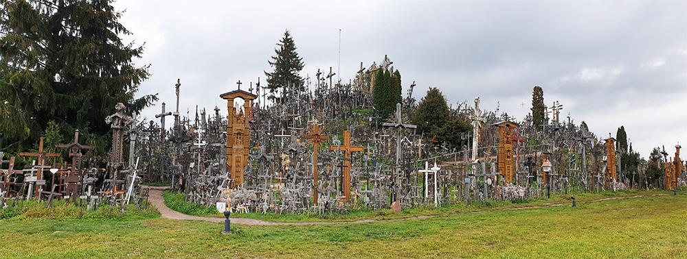 Seitenansicht Berg der Kreuze