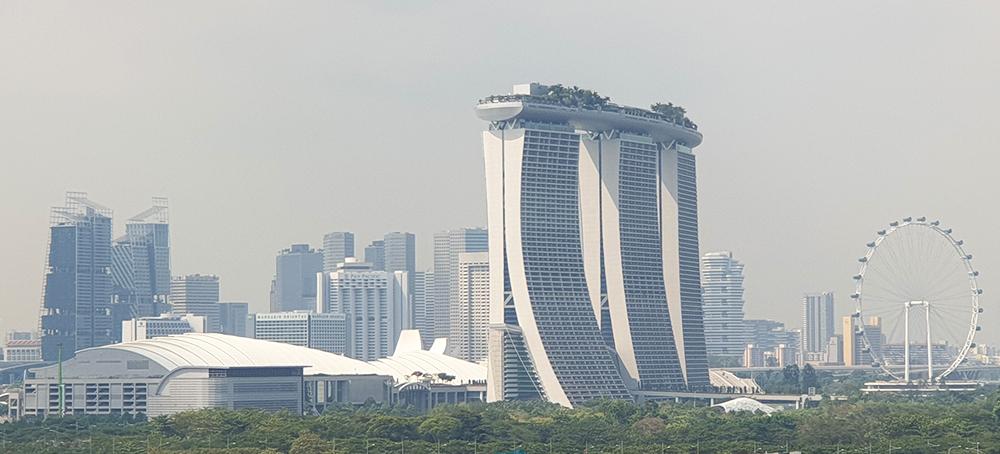 Skyline Singapur vom Hafen
