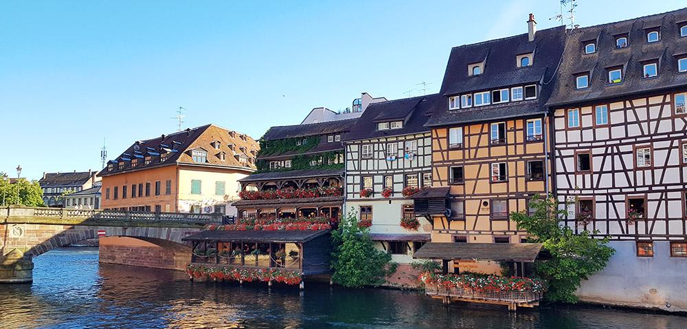 Fachwerhäuser im Stadtteil Petite France in Straßburg