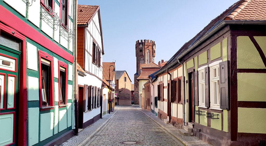Fachwerkhäuser und Eulenturm in Tangermünde - Altmark